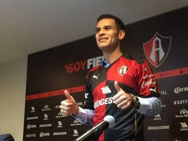 Rafa Márquez porta la camiseta, de regreso al Atlas