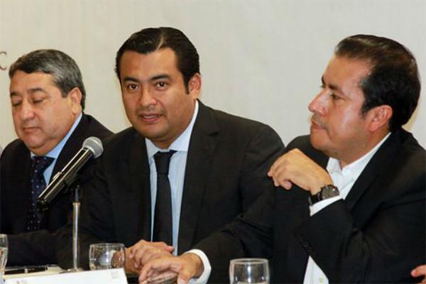 Descuentan 61 mdp a maestros de Oaxaca por 'paro' de labores