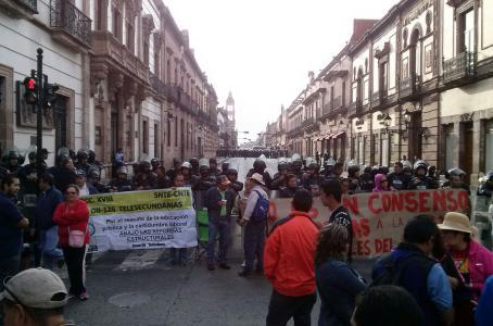CNTE exige la liberación de normalistas detenidos en Michoacán