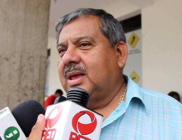 Descuento a gasolina beneficiará a choferes de taxi: Carlos Cobos