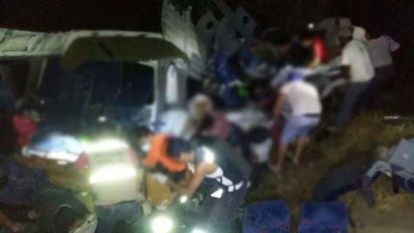 13 fallecidos y 7 heridos, saldo del choque en Tututepec: SSP