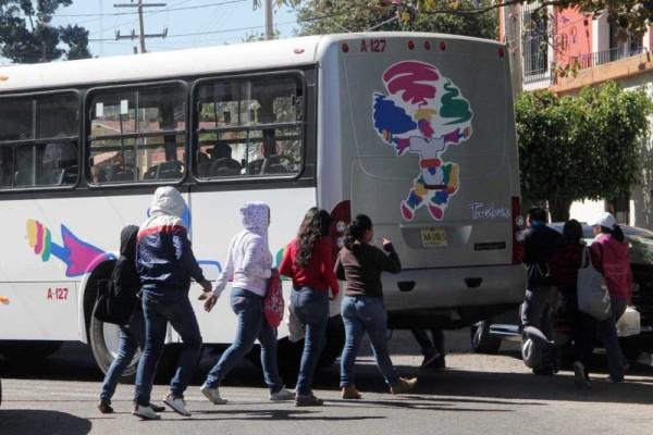 Reportan perdida total de 12 autobuses retenidos por normalistas