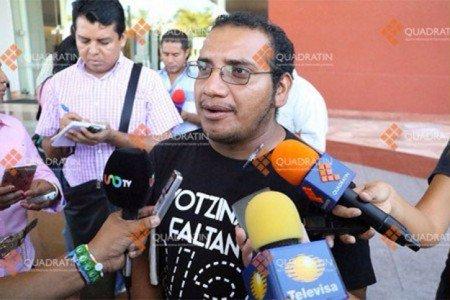 Insatisface a padres de los 43 desaparecidos reunión con Segob