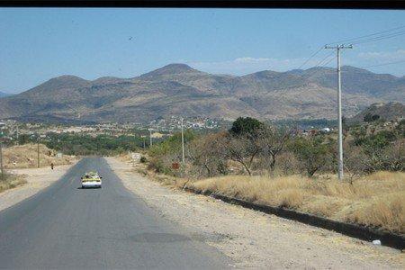 Aseguran a 5 indocumentados en la Mixteca