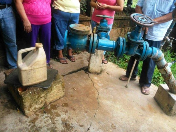 Por problemas en Tlaloc 2, sufren dos colonias escases de agua