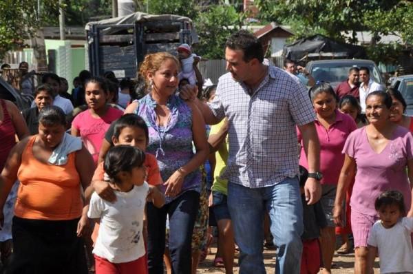 Encabeza Gabriel Cué proyecto social que reconoce el papel de la mujer tuxtepecana