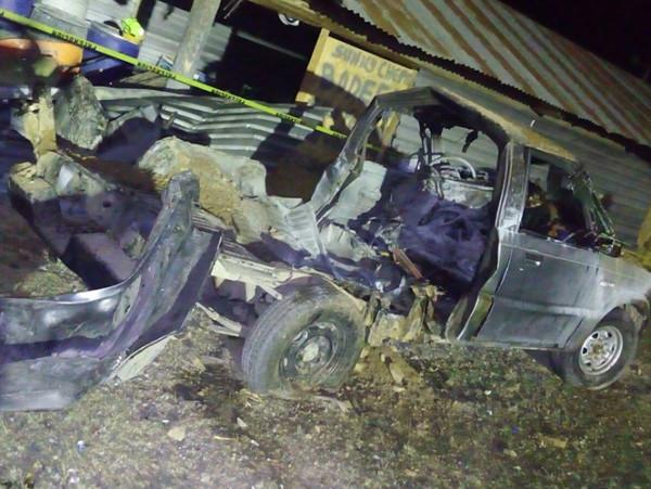 Explota vehículo con pirotecnia en Oaxaca