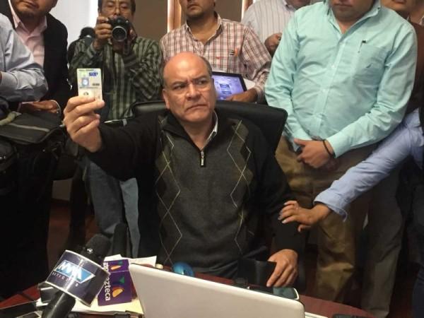 Presentó Villacaña denuncia por extorsión y acoso contra comunicador y gestor