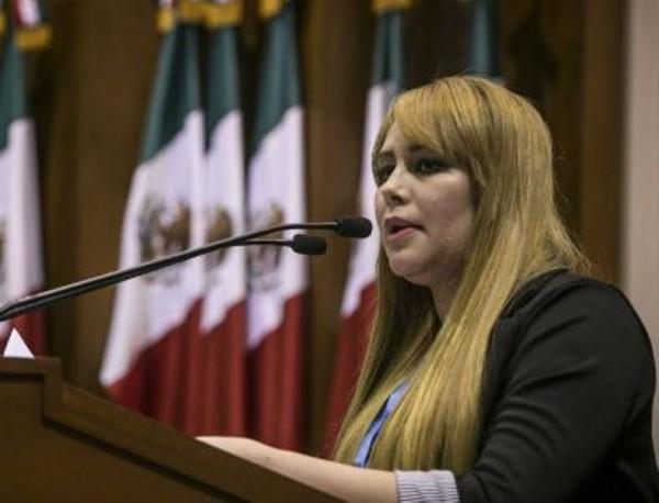 "Trasladan a la SEIDO a diputada ligada a ""El Chapo"""
