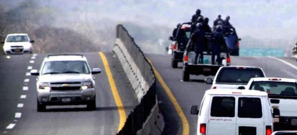 """4 policías, detenidos por """"desaparición forzada"""" de 5 jóvenes en Tierra Blanca"""