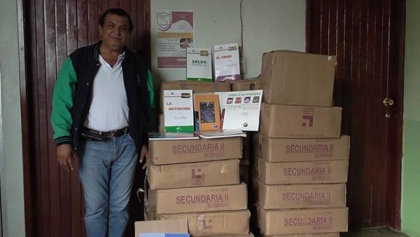 Donaran más de cien libros a las 14 bibliotecas de Tuxtepec