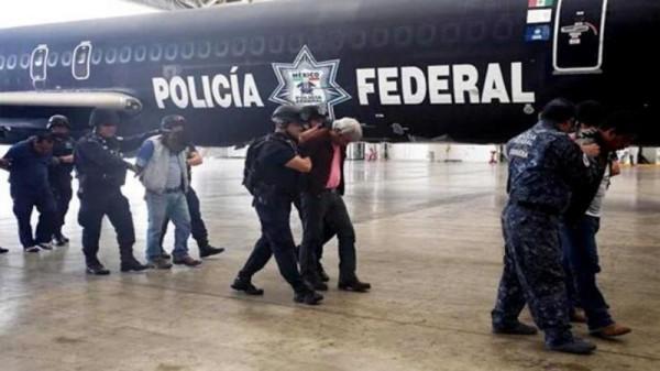 Saturación de cárceles impide traslado de maestros a Oaxaca