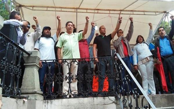 Acuerda Sección 22 voto de castigo a partidos que firmaron Pacto por México