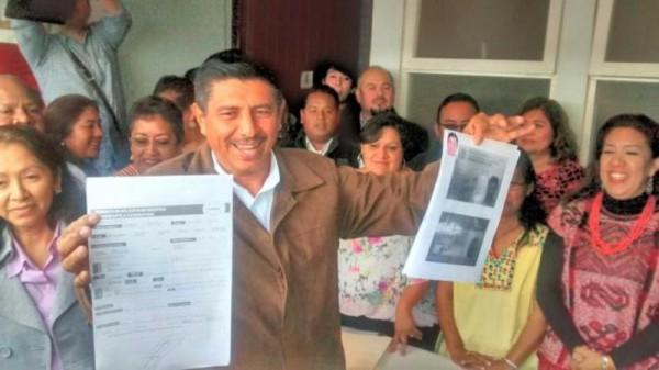 Salomón Jara se registra como precandidato para gobernador
