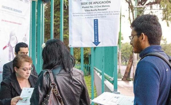 SEP entrega plazas a normalistas de Oaxaca