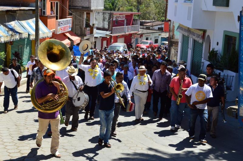 Confían chatinos en Benjamín Robles para ganar la gubernatura de Oaxaca