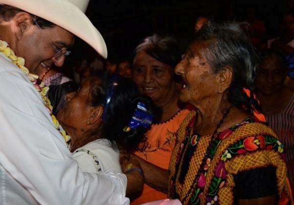 Se adhieren chontales perredistas al  proyecto Unir Oaxaca de Benjamín Robles