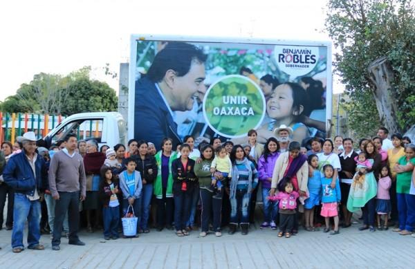 Refrendan familias perredistas de  Cuilapam su apoyo a  Benjamín Robles