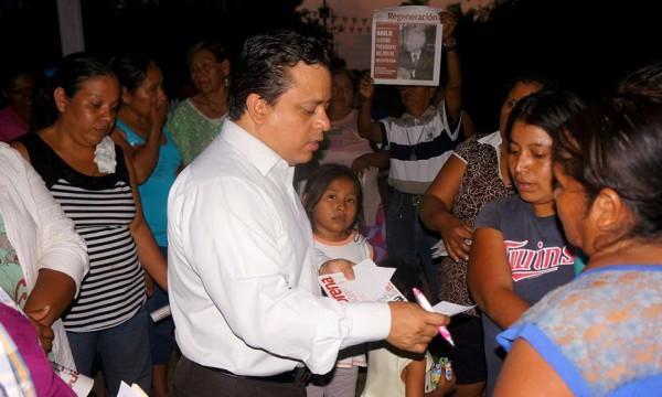 """En Morena creemos en la dignidad de los maestros de Tuxtepec"""": Fentanez"""