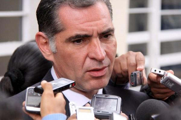Fiscalía investigará si existen las presuntas fosas clandestinas: Cué