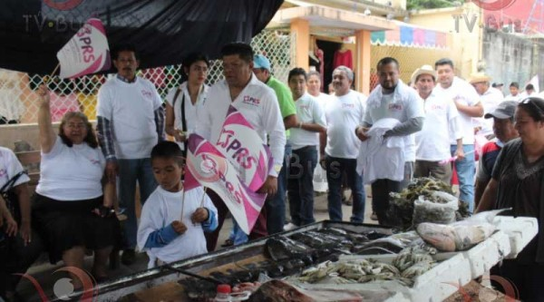 Llega a Tuxtepec, precandidato del PRS
