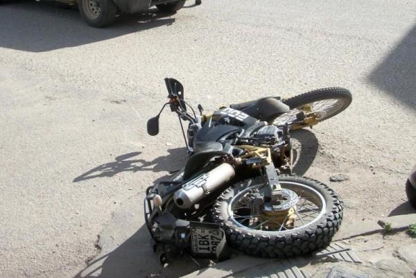 Fatal accidente en el Istmo deja una fallecida al caerle camioneta
