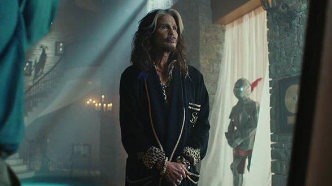 Steven Tyler protagoniza comercial para el Super Bowl