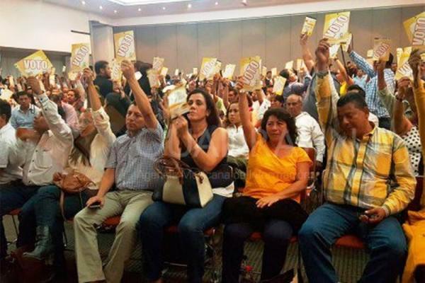 Vota Consejo del PRD en Oaxaca por elegibilidad de ambos precandidatos