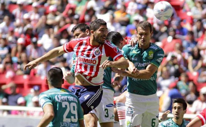 Nueva derrota de las Chivas; ganan Cruz Azul y Pumas