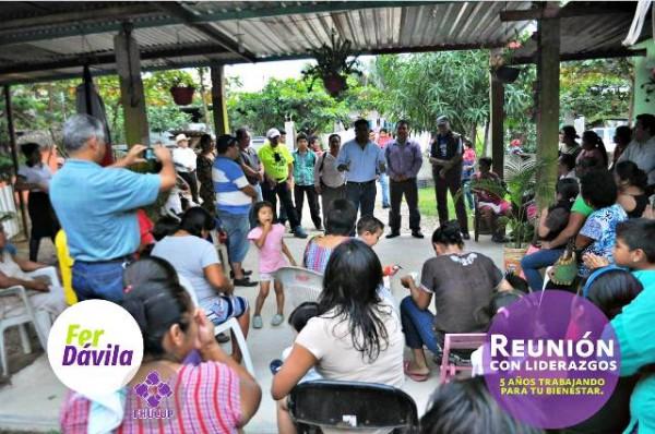 Visita Fer Dávila colonias y comunidades de Tuxtepec