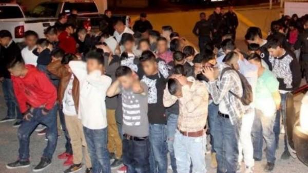 Fiesta con alcohol y drogas termina con 85 jóvenes detenidos