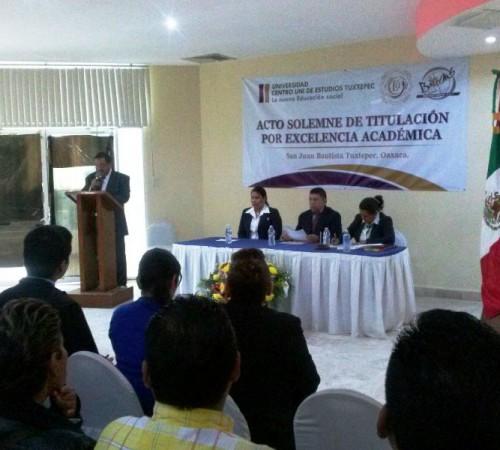 Clausura Centro UNI de Estudios Tuxtepec