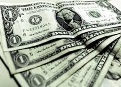 Dólar a la venta en 18.70 pesos en el AICM