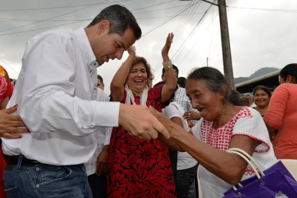 Sella Alejandro Murat pacto de unidad con priistas de la Cuenca