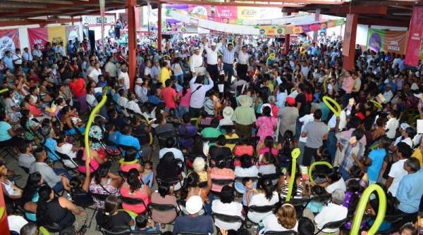Perredistas de las ocho regiones  van con Benjamín Robles