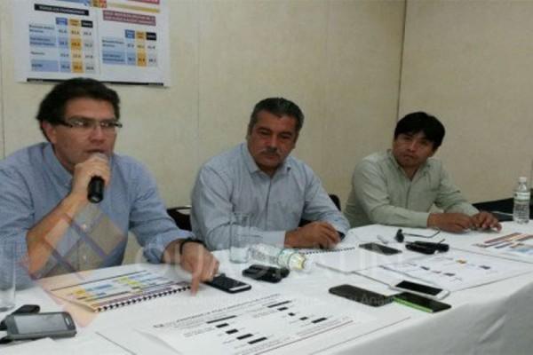 Advierten senadores rebelión en PRD si no postulan a Benjamín Robles