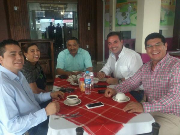Aspirantes a diputación local respaldan a Gabriel Cué