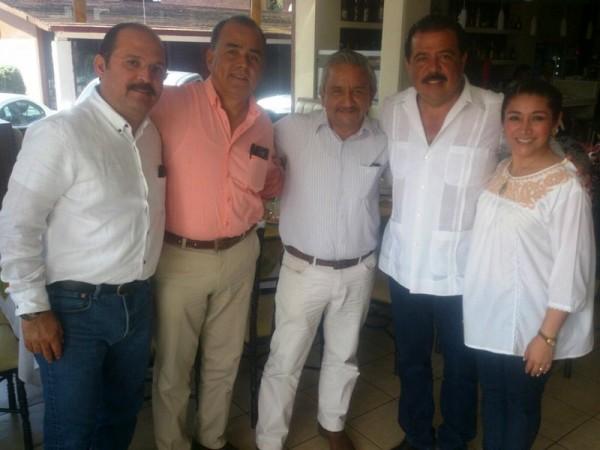 Priistas respaldan a Gabriel Cué