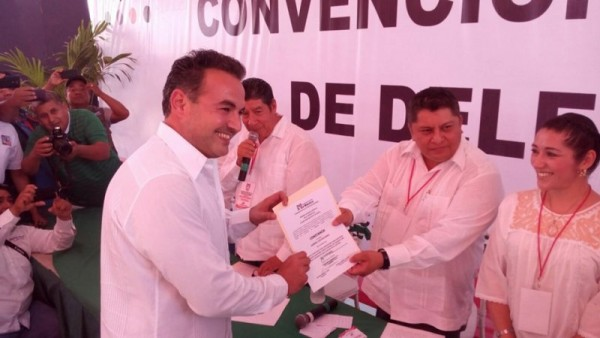 GALERIA: Ratifican a Gabriel Cué, como candidato a diputado local