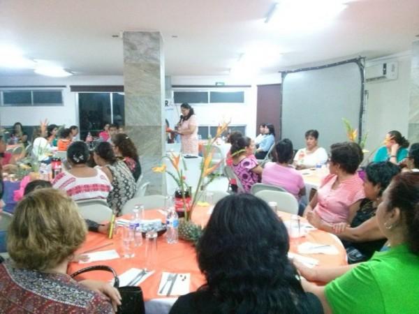 Elvira Hernández conmemora a mujeres tuxtepecanas