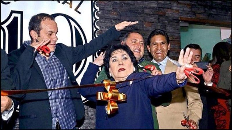 Carmen Salinas se quedó vestida y alborotada para dar adiós al 'Cuau'