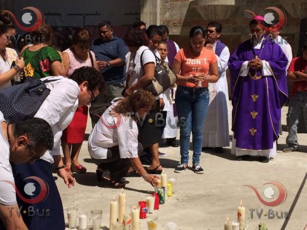 #LaBarca Tuxtepecanos colocan ofrenda a fallecidos