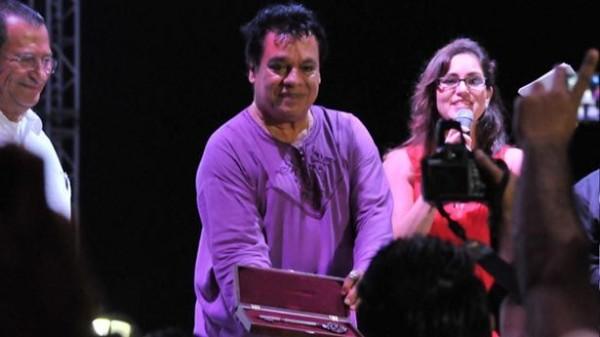 Juan Gabriel recibió gran reconocimiento en Tlacoltapan