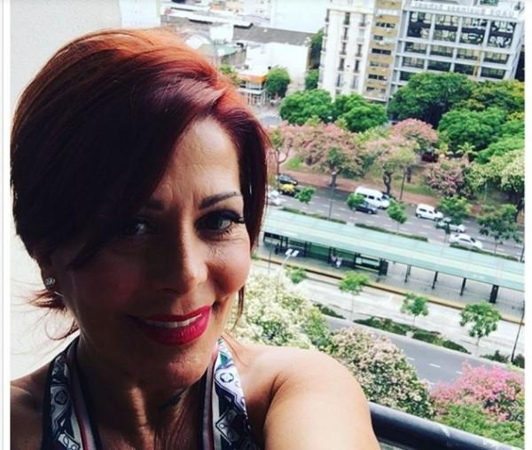 Alejandra Guzmán se le olvidó poner filtro a una foto y ¡la tacharon de fea y ruca!
