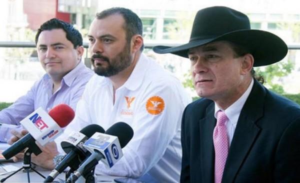 "Presentan a vocalista de ""Caballo Dorado"" como precandidato"