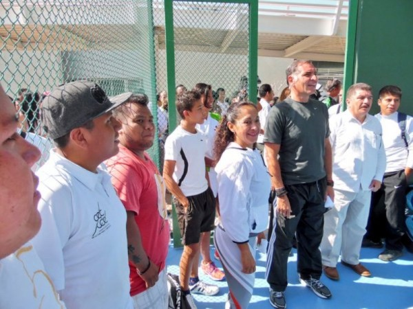Inaugura Gabino Cué, Centro de Acondicionamiento Deportivo