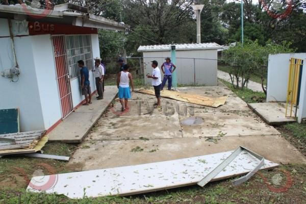 Ixcatlán requiere apoyo federal y estatal para superar emergencia