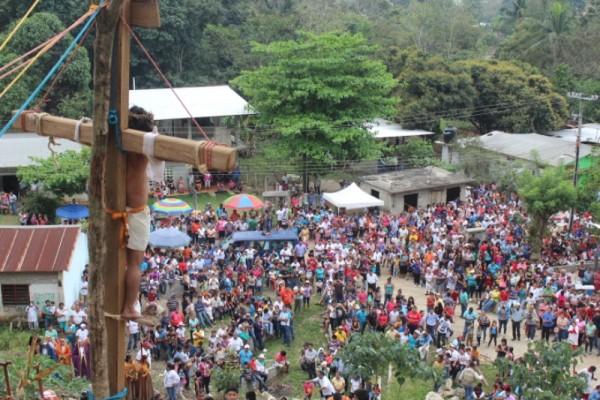 GALERÍA: Viacrusis viviente en Chiltepec