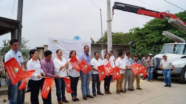 Con ampliación eléctrica Gobierno Municipal ilumina Loma Alta