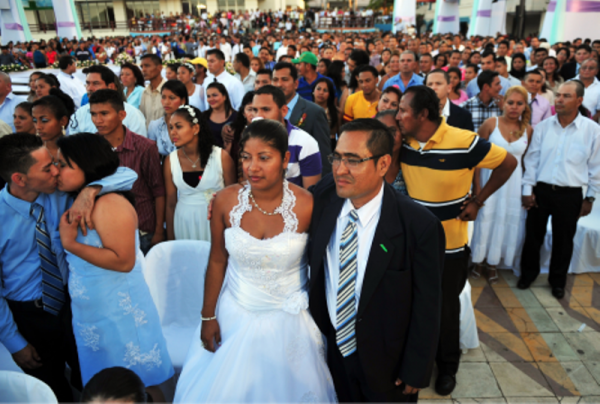 50 mil matrimonios colectivos en 6 años de gobierno